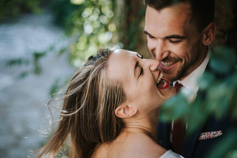 Eclat de rire complice entre amoureux
